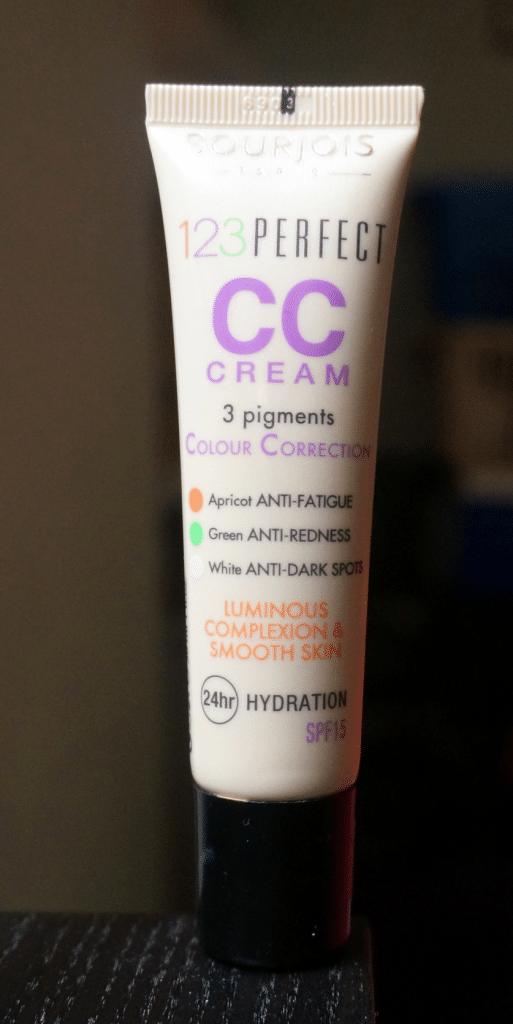 123Perfect_CC_Cream_close_837