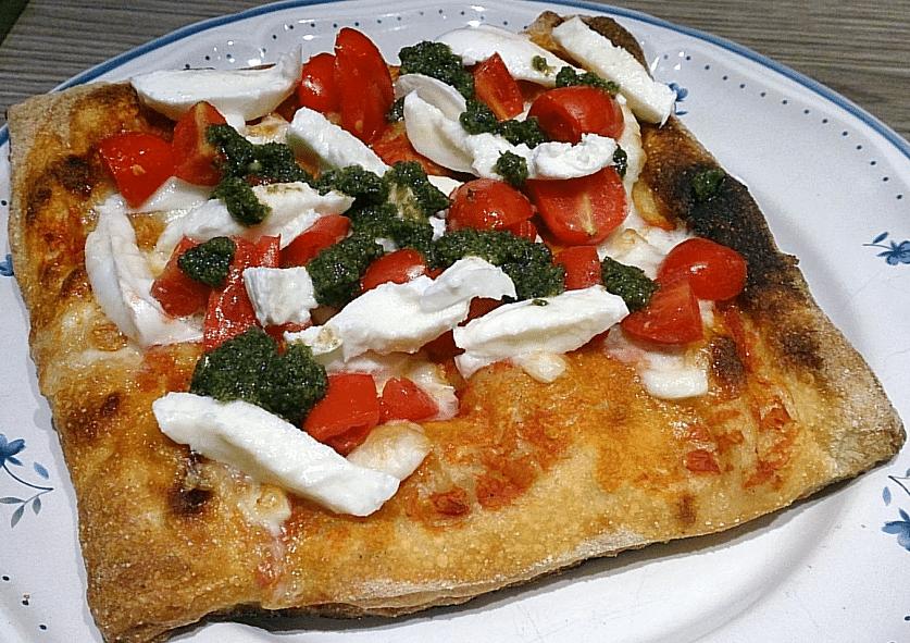 pizza_phase2_tomates_et_mozza_et_basilic_2_837